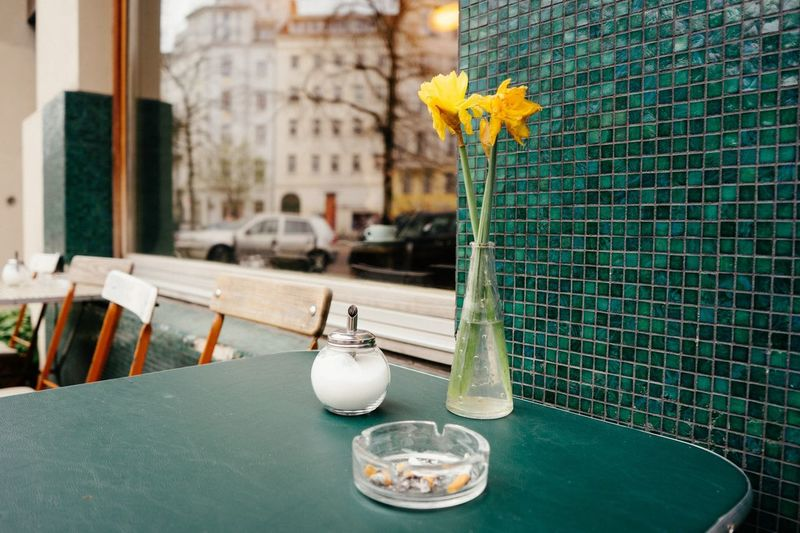 Streetphotography Flower Table