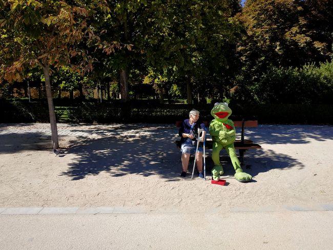 Kermit the caretaker Park SPAIN Kermit The Frog Old Lady Caretaker Tree Water Child Full Length Togetherness Childhood Beach Boys Bonding Shadow