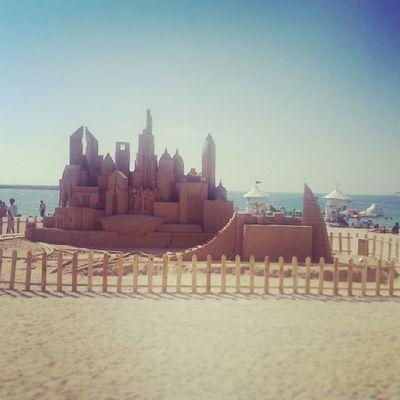 Dubai sand sculpture