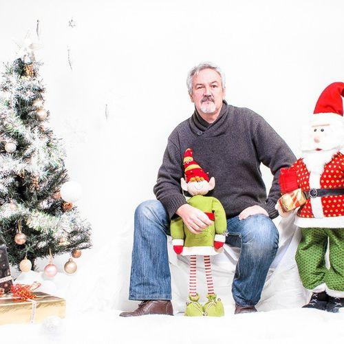 Christmas Santa Elf Bolton horwich lancashire highkey portrait selfie selfportrait christmasportraits