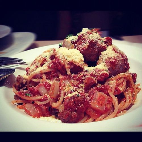 Spaghetti bolognese with meatballs
