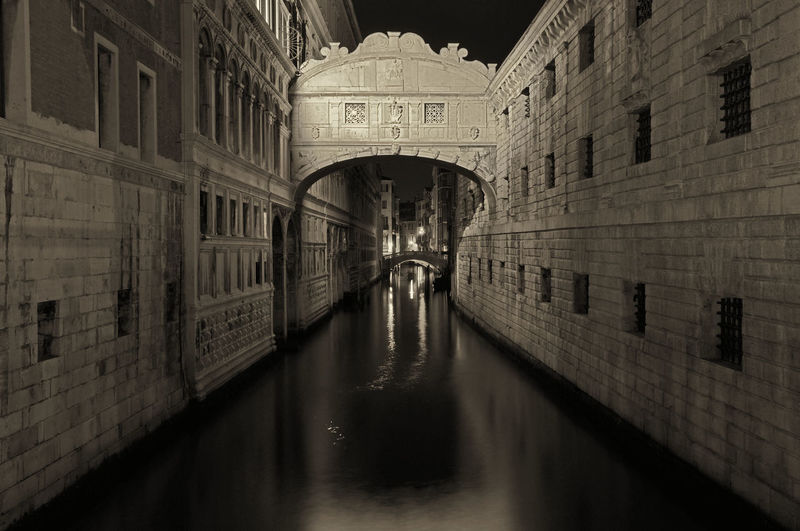 Arch Architecture Blackandwhite Bridge Building Built Structure Canal City City Life Diminishing Perspective Goodplace Illuminated Night No People Outdoors Ponte Dei Sospiri Reflection Travel Destinations Venice, Italy Water Waterfront