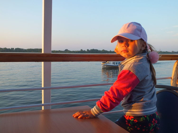 #CAP #Child #children Photography #girl #Kid #river #steamship #sunset #sun #clouds #skylovers #sky #nature #beautifulinnature #naturalbeauty #photography #landscape