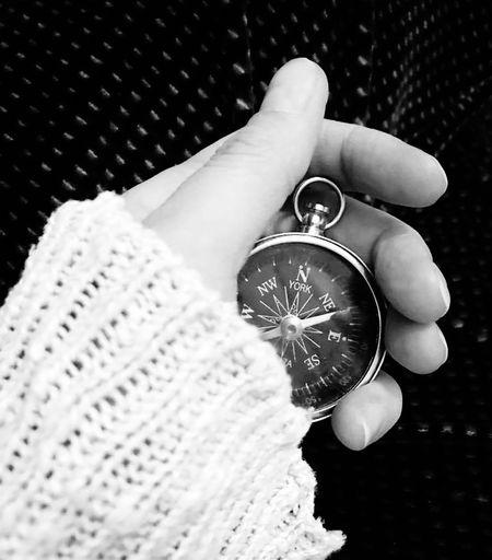 yersiz yönsüz lâmekan hürriyet.. No People Freedom Single Hand Pusula Compass Alone Loneliness Jewelry Human Hand Human Body Part Close-up Indoors  Locket People