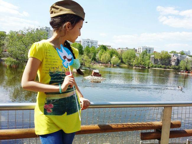 9 мая День Победы 9 мая 2016 9 мая день победы московский зоопарк московскийзоопарк девочка в берете