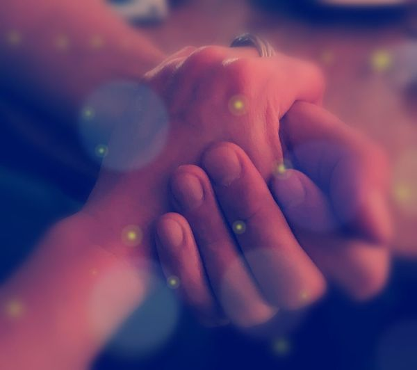 Berührung Zuneigung Shaking Hands Verbundenheit Handinhand Händchen Halten Liebe Hände Hands Hand Human Hand Human Body Part One Person Close-up Body Part Holding