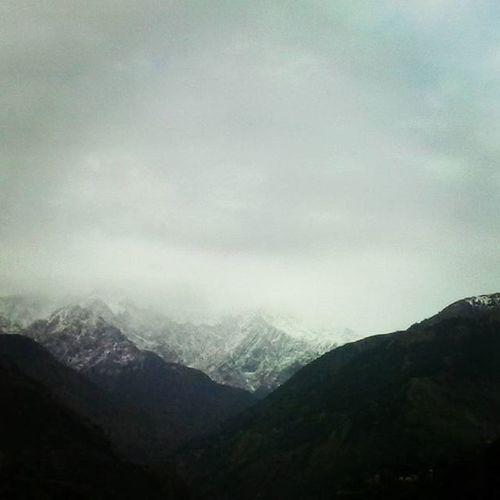 Snowy Dhauladhar . Mountaingram Mountainscape Snowscape Landscape Snow Mountains Clouds Cloudscape Cloudporn Nofilter MobileGram Snowfall Instamountains Instasnow InstaSnowfall Instaview Chamba Palampur Dharamshala