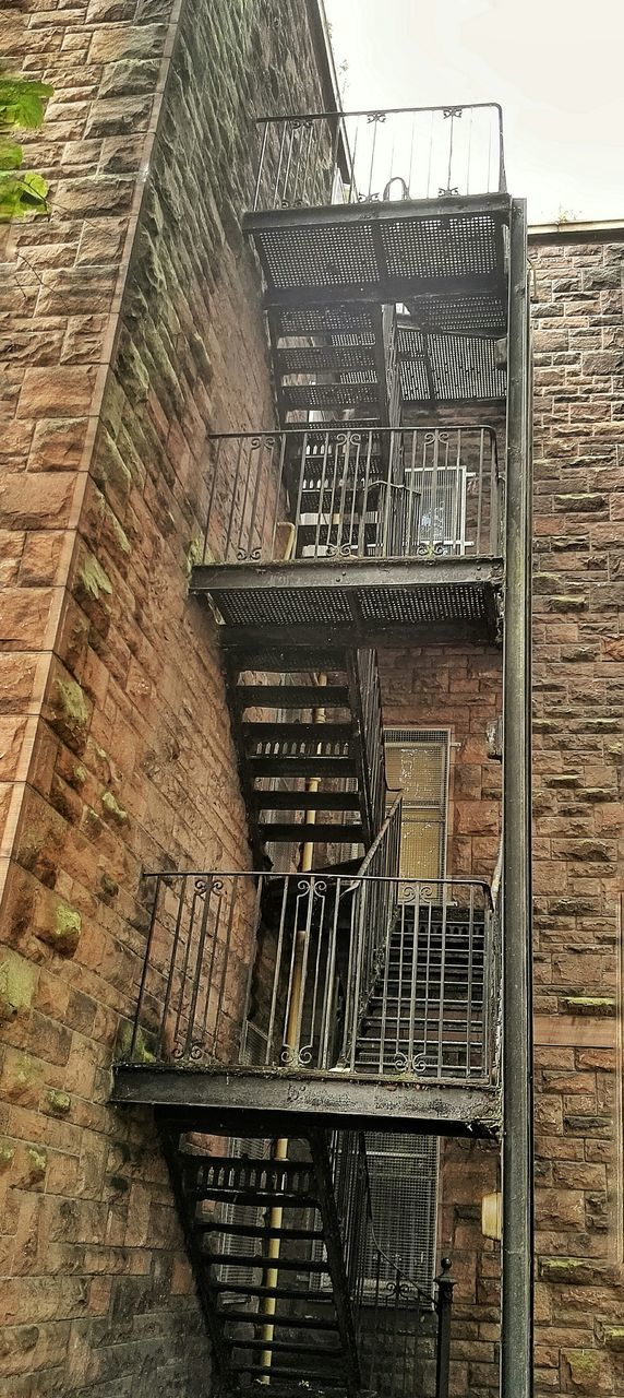 staircase, steps and staircases, steps, railing, fire escape, architecture, stairs, built structure, safety, urgency, building exterior, no people, day, outdoors
