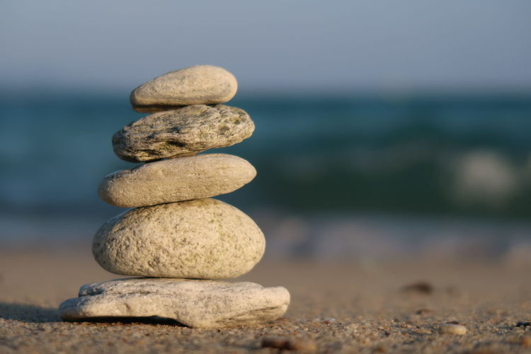 Stone balancing Meditation Pyramid Yoga Balance Beach Close-up Horizon Nature No People Outdoors Pebble Relax Rock Rock - Object Sea Solid Stack Stacked Stone Stone - Object Stones Tranquility Water Zen Zen-like