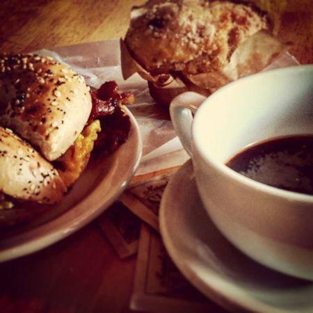 Morning Goodmorning Taramae Coffee Muffin Breakfast Yumm Wakeup Thenucleus Eauclaire Uwec  Smileanyway