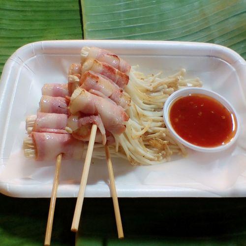 เห็ดพันเบคอน EyeEm Selects เห็ดพันเบคอน อาหาร Food Foodporn Foodphotography Foodie Foodreview Foodstagram Foodforlife BKK Thailand Thailand🇹🇭