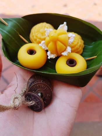 Ancient Thai dessert and cion Coin Coins Coins Collection Coins Worldwide Coins,coins,coins... Coin Collector Ancient Coins Ancient Coin Thai Food Thai Dessert Style Thai Sweet Thai Foods Thai Dish Thai Food Thai Sweets Thai Desserts Ancient Ancient Culture Ancient Dessert Fruit Citrus Fruit High Angle View Close-up Food And Drink