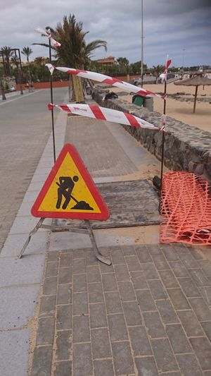 Construction Site Road Warning Sign Construction Industry Warning Sign
