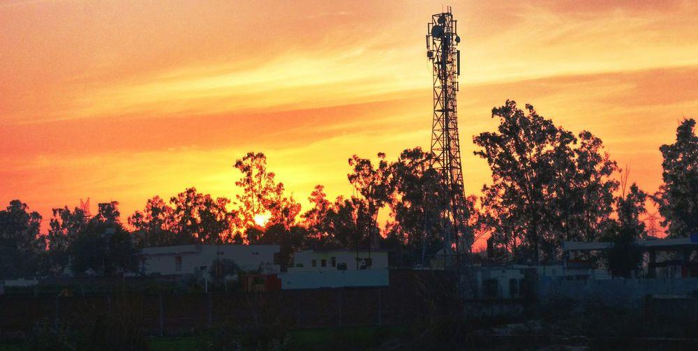 Sunset Chasingsuns Yellow Red Skies Village Photomania First Eyeem Photo