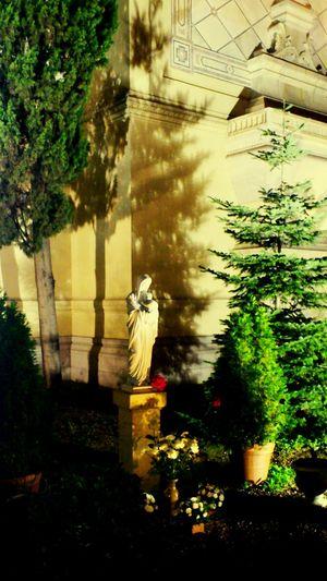 Madrid Madonna Madonna Sculpture Saint Baby Jesus Jesud And Mary Garden Sculpture