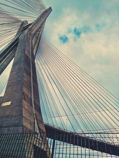Close Bridge