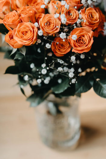 Flower Arrangement Flower Head Inflorescence Vase No People Fragility Indoors  Petal Vulnerability  Freshness Rosé Beauty In Nature Flower Flowering Plant Nature High Angle View Plant Rose - Flower Close-up Bouquet Bunch Of Flowers