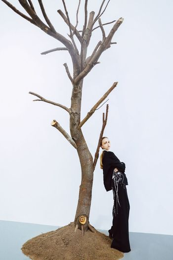 Exhibition Model Fashion Tree One Person Branch