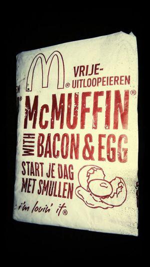 Hmm heerlyk ff ontbijten @ maccie !