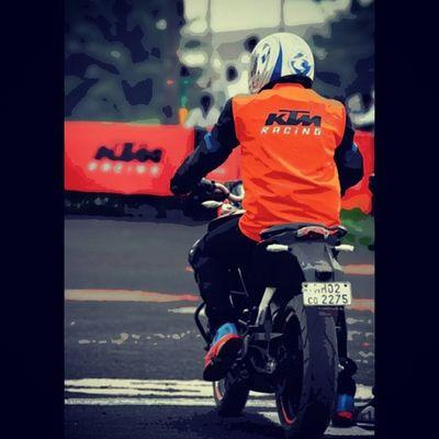 Ktm Orangeday Raceday Readytorace duke200 melove fast adrenaline nike agv hyperfuse neon instapeople instaclick tagforlikes