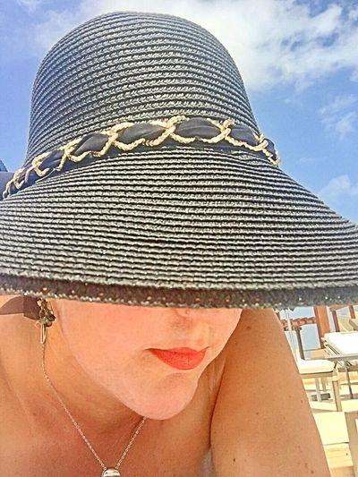Selfi Eyemselfie Hat Thoughtful Relaxed Moments Eyemphotography EyeEm Best Shots Eyem Gallery Faces Of EyeEm Faces Of Summer Cancun Mexico Vacations