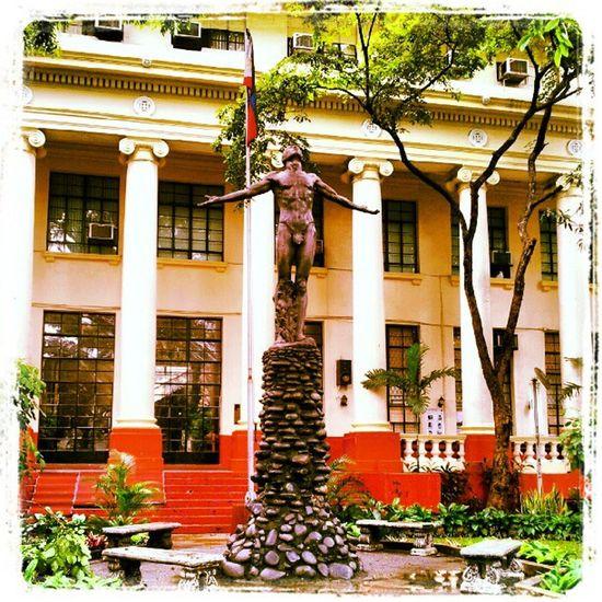 Si Oble Upoblation Upmanila Oblation Up isko iska iskolarngbayan sculpture instagraphy themanansala cas faura