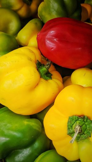 A fresh start with pixel Vegetables Pixel2xl Multi Colored Yellow Backgrounds Full Frame Healthy Lifestyle Vegetable Variation Red Bell Pepper High Angle View Close-up
