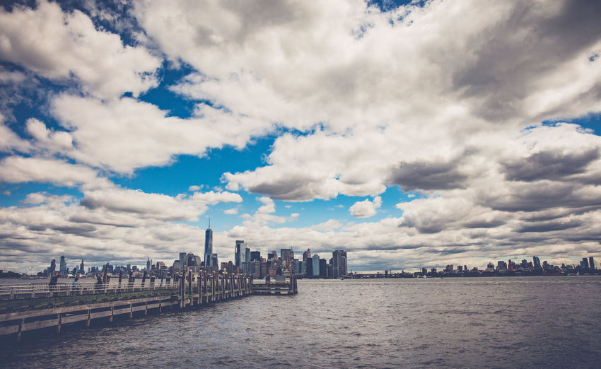 Just like a Dream, the city never sleep Cloud - Sky Sky Architecture Built Structure Water Building Exterior City Waterfront Nature Building Day River No People Travel Destinations Travel Cityscape Bridge Outdoors Office Building Exterior Skyscraper New York City Manhattan Attilaphotographie