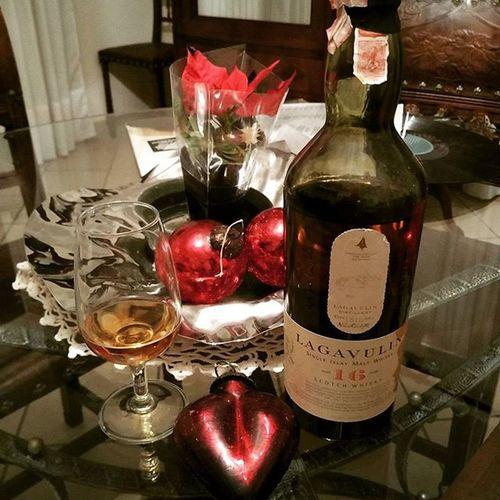 Alternative Xmas Lagavulin Whiskey Christmas Natale  Alternativo Torbato