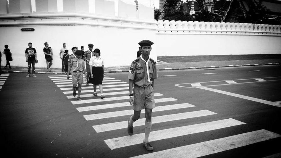 Emotional image after king Bhumibol of Thailand passed away. Walking Outdoors Thailand Bangkok Wat Pra Kaew Bhumibol Blackandwhite Travel Destinations BKK King Dead