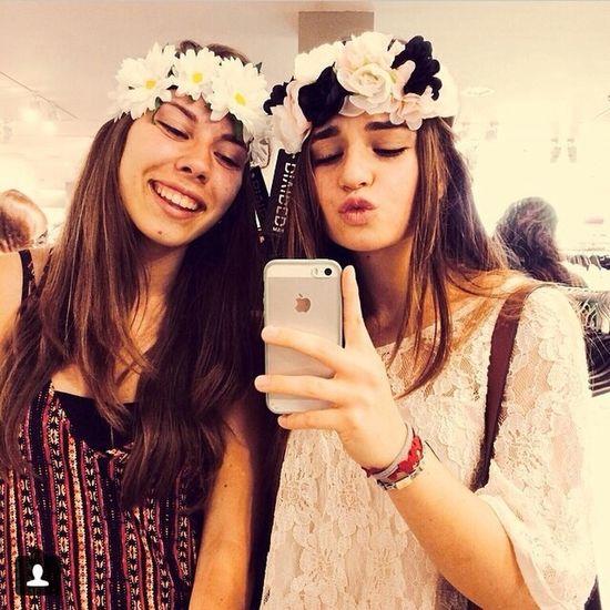Flowers Friends Hair Fie