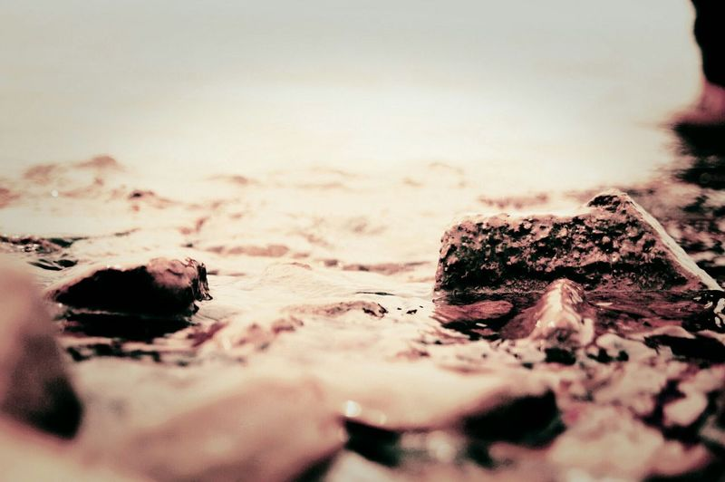 nikon d80 autofocus 18-55....Water Rocks Softlight  Showdow Frequent Traveller EyeEm Best Shots Goldensunspot Selectivefocus ...............