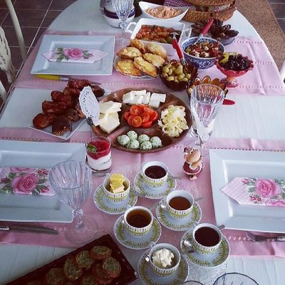 Gunaydinnnnnn...... Kahvalti Breakfast Keyf çay kahve nescafe instalike instafood instagood lezzet