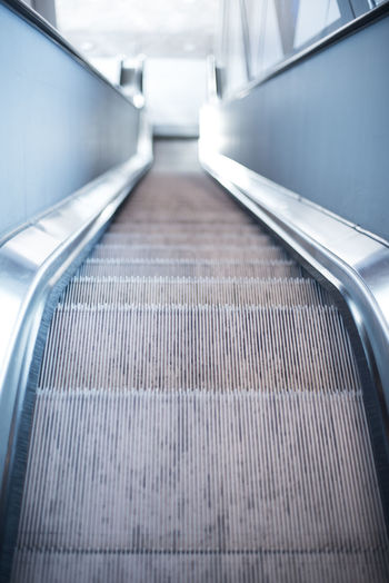 Move along Airport Building Interior Escalator Indoors  Modern No People Steps And Staircases Technology The Way Forward Transportation #urbanana: The Urban Playground