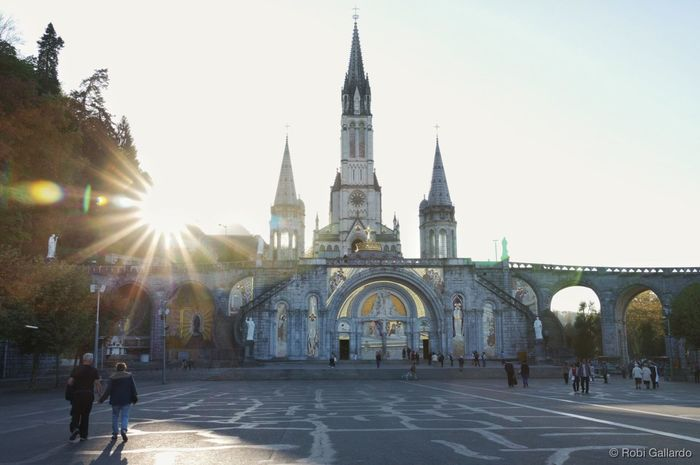 Basilica of Our Lady of Lourdes Architecture Built Structure Religion Place Of Worship Building Exterior Basilica DSLR DSLR Photography Pentax K-3 Pentax Sunlight Sunrays France