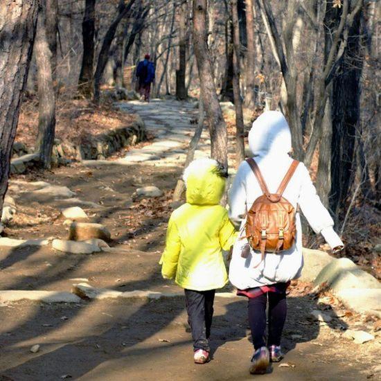 . Two is better than one Korea Seoul_korea Fujifilm S5pro mountain forest mom daughter walk instagood instamood picoftheday robin_mt robin_theme