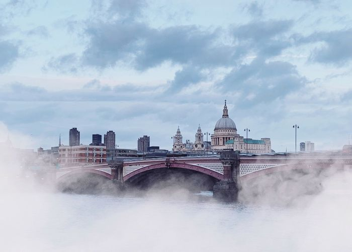 Dreamy London Skyline Foggy Morning Foggy London Fog Foggy Day Mist River Cloudy St Paul's Cathedral Blackfriars Bridge Architecture Cloud - Sky Sky Built Structure City Travel Destinations Building Exterior Nature Tourism Water Bridge Bridge - Man Made Structure Cityscape Outdoors Building Travel