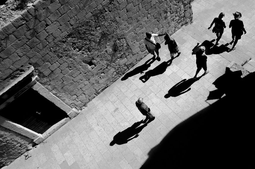 Archineos Croatia Shadows & Lights Silhouette Ugo Villani B&n B&w Bianco E Nero Black And White Blanco Y Negro Croazia Dubrovnik Monochrome Old City Old City Walls People