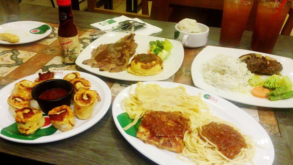 Italian Food Pasta Stromboli Steaks Bigoli Philippines FotoGrapiya 🍕🍕