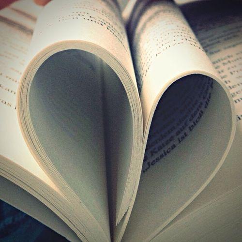 Heart Book Reading Heart ❤ Paper Heart Paper Herz Bücher  Fearstreet Rlstine