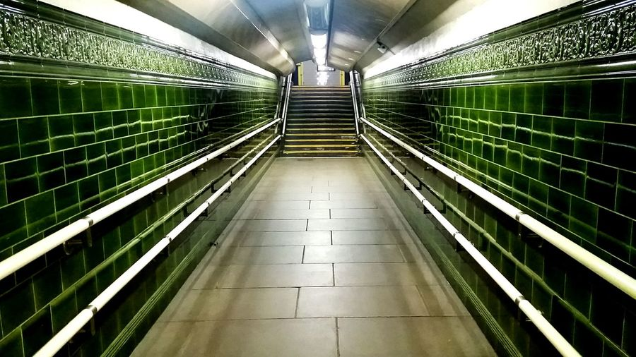 Ministry Of Magic Department Of Mysteries Londonsubways Londonthroughmycam Corridor View Stairs Corridor London Underground Tiled Wall Tiled Floor Tiled Stairs Regent's Park The Secret Spaces The Architect - 2017 EyeEm Awards EyeEm LOST IN London Samsung Samsungphotography Samsung Galaxy S5 No People