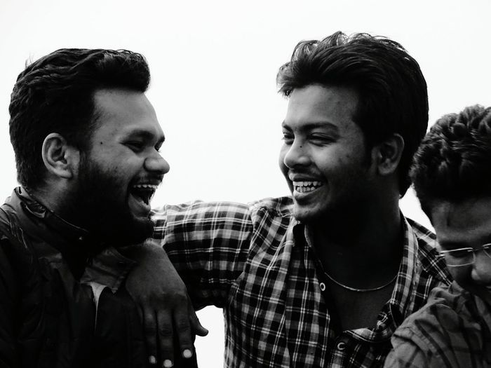 Tat moment wen people smile with their heart out!! 😍😍 Their smile makes even us to smile for a while! Hanging Out Taking Photos Cheese! Enjoying Life Candid Candid Photography Photography Smiles Smile ✌ Smilewithheart Laughter Is The BEST Medicine Laughoutloud Friendship Friendsforever Happiness Street Streetphotography Blackandwhite Blackandwhite Photography