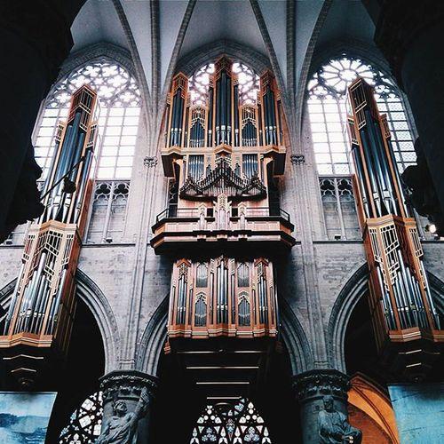 Interior de la Catedral de San Miguel y Santa Gúdula. Parte 1. CaminandoBruselas Latepost