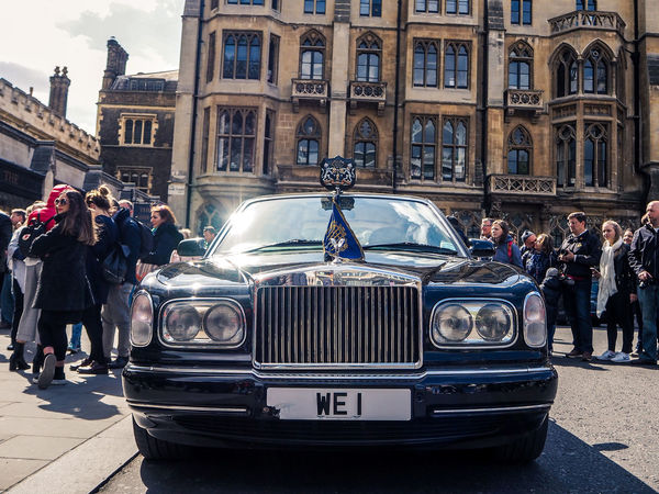 Her Majesty Built Structure Car City Day Land Vehicle Large Group Of People Leisure Activity Lifestyles Mode Of Transport Outdoors People Real People Rolsroyce Sky Street Transportation We Are One Westminster Abbey
