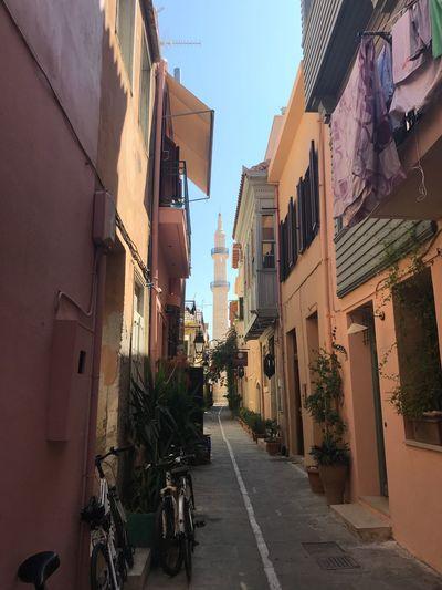 Alley Crete