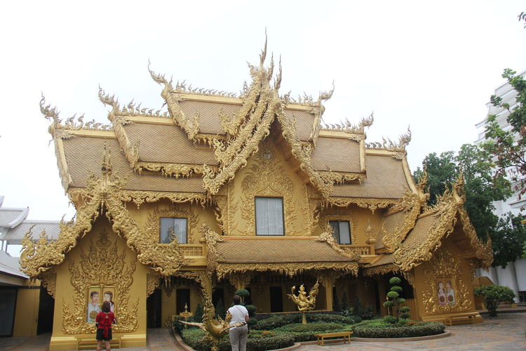 Thailand Thailand_allshots Thailandtravel Thailand Photos Thailand🇹🇭 Temple - Building Templephotography Buddhism Buddhist Temple BUDDHISM IS LOVE Chiang Mai | Thailand Chiangmai Chiang Mai Thailand Architecture Built Structure Building Exterior Building Sky Religion Belief Place Of Worship Spirituality Day Tree Real People Nature History The Past Outdoors Plant People