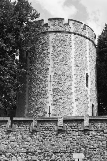 A tower in the Tower of London Fortifications Torre Di Londra Tower Of London Wall Fortificazione Mura Torrential Rain Tower
