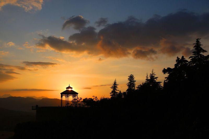 Atardecer en Ronda. Atardecer Atardeceres Ronda España🇪🇸 SPAIN Spain♥ Manu García Manu Sunset Sunset_collection Sunset Silhouettes Cielo Sky Sunlight Sun Sol Contraluz