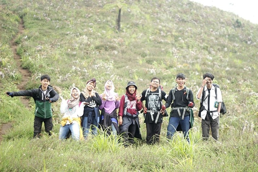 Friends Friendship Relaxing Mountain Hill Telling Stories Differently Teletubbies Hills Prau INDONESIA Jogja