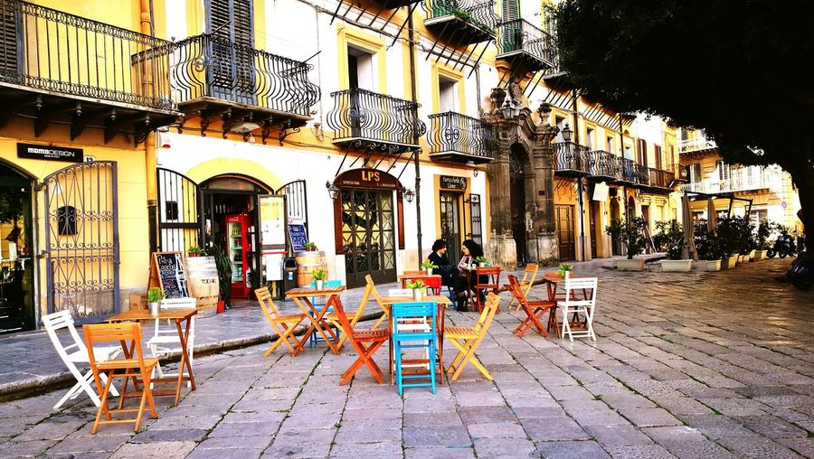 Piazza Marina Piazza Marina Outdoors Travel Destinations Palermo Palermo❤️ Sicily No People Sidewalk Cafe City Day Cobblestone Table Building Exterior Chair Built Structure Architecture Adventures In The City Pavement Outdoor Cafe TOWNSCAPE Town Square Town Walkway Old Town Rooftop